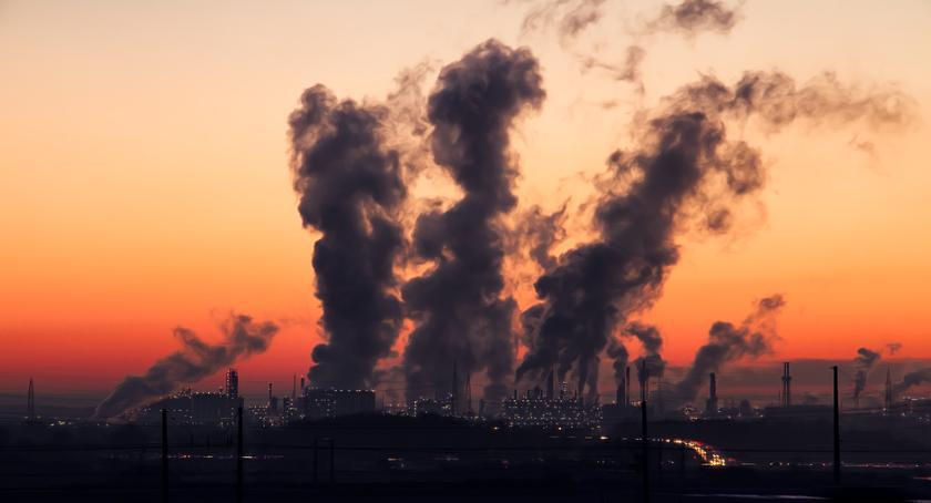 Zdrowie, normy smogowe przekroczone stukrotnie sezon grzewczy jeszcze przecież zaczął… - zdjęcie, fotografia