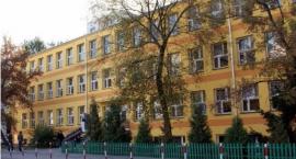 Reforma oświaty. Gimnazjum nr 49 zostanie połączone z Liceum Ogólnokształcącym im. Traugutta.